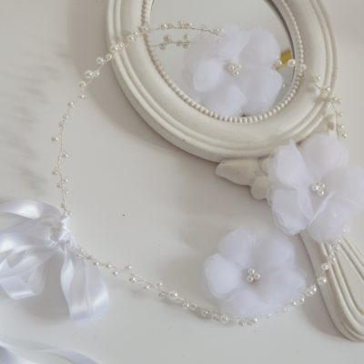 Komunijny wianuszek z perełek plus dopinane kwiaty